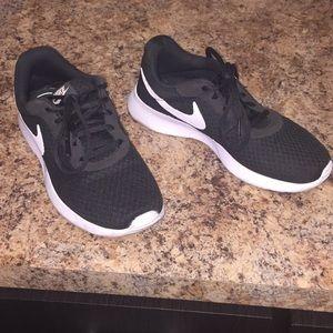 Black Nike Tanjun